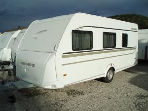 wohnwagen mieten mieten in sterreich caravan wohnwagen. Black Bedroom Furniture Sets. Home Design Ideas