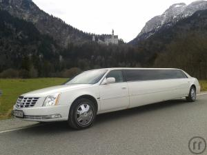 CADILLAC LIMOUSINE in WEISS
